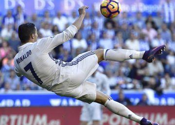 Cristiano vuelve a su rutina en la goleada del Real Madrid al Alavés