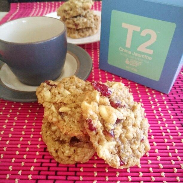 Perfect afternoon tea combo - jasmine tea + white chocolate cranberry oatmeal cookies