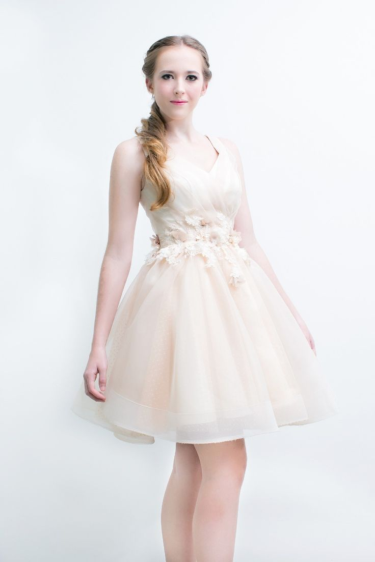Shop Our Latest Collections Of Sexy Gorgeous And Cheap Prom Dresses Online In Singaporelike Champagne V Neck Short Wedding Dress
