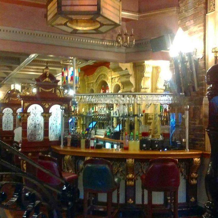 ...this'll do nicely! #cocktailbar #belfast #drink #bar #northernireland #decor #pub #hotel #happyhour #benedictsofbelfast #visitbelfast #booze #visitnorthernireland
