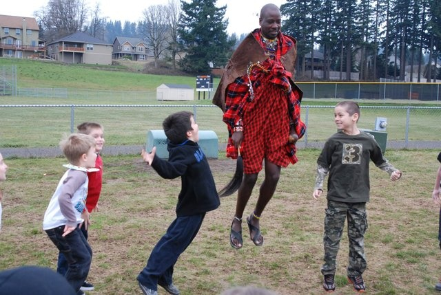 Sabore Ole Oyie, Blue Planet Network member, visits Gause elementary school in Washougal, Washington. Follow the link to read more!