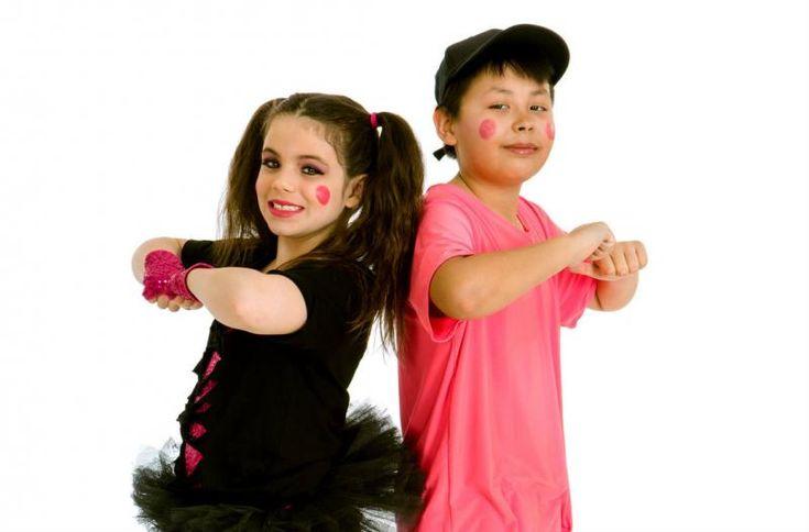 Hip Hop (6-11 ANNI) lunedi ore 17.30 con Evy Dancer! Ritmo, voglia di ballare e scatenarsi, #coreografie e #sequenze coinvolgenti! L' #Hiphop, nato negli Stati Uniti come movimento dei giovani afroamericani, professa senza distinzione di sesso, l'uguaglianza e la fratellanza, danzando insieme la voglia di vivere, con spirito di gruppo, lavorando sull'affiatamento e la coesione. www.spazioaries.i.it