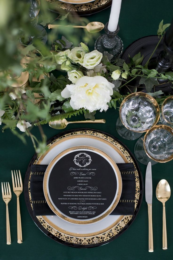Luxe Emerald Wedding Inspiration Toronto On Knotsvilla Wedding Ideas Canada Wedding Blog Green Gold Weddings Black Gold Wedding Emerald Wedding Decor