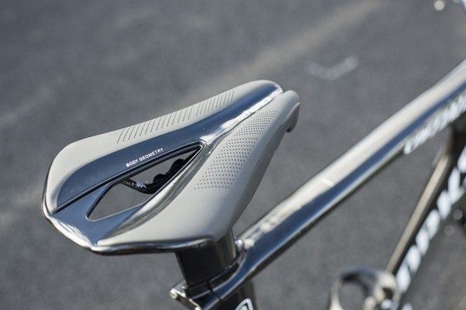 Pro Bike Gallery: Rigoberto Uran's Specialized Shiv TT bike - VeloNews.com