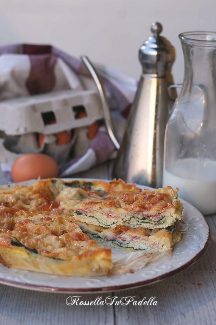 Frittata al forno con pancetta, spinaci e formaggio. Ricetta veloce