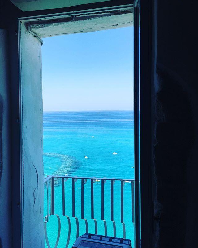 """Виды тут сногсшибательны 🌊🏖💎 #природа#фантастика#пляж#лучшее#вид#калабрия#италия#тропея#calabria#tropea#like#lifestyle#live#life#pictureoftheday#picture#photo#photography#travel#travelling#aroundtheworld#amazingview#beautiful#day#september"" by @zhanna_photo. #fslc #followshoutoutlikecomment #TagsForLikesFSLC #TagsForLikesApp #follow #shoutout #followme #comment #TagsForLikes #f4f #s4s #l4l #c4c #followback #shoutoutback #likeback #commentback #love #instagood #photooftheday #pleasefollow…"