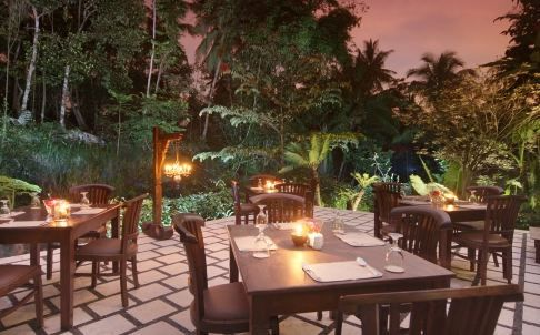Our restaurant consists of two areas : indoor & outdoor. While taste of delicious dishes, you can breathe the fresh air of the countryside. Detail info: 0813 1072 044