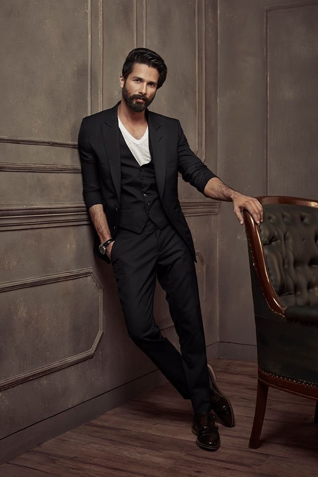 Lux Golden Rose Awards 2016 — Shahid Kapoor#Hot #Obsession #Bollywood #India #ShahidKapoor