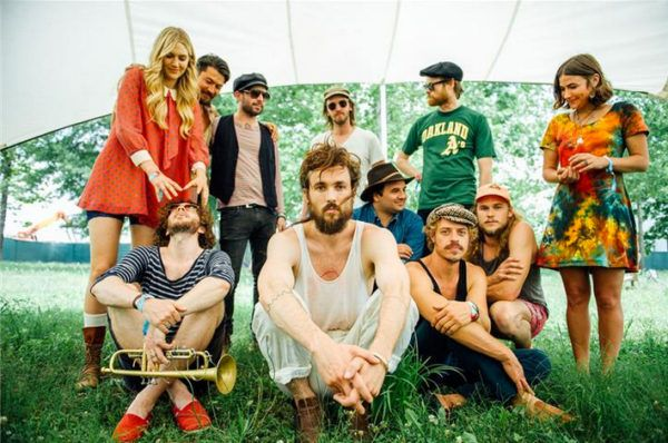 Like many other professional singers and musicians, Edward Sharpe and the Magnetic Zeros member Christopher Richard relies on Venta to perform at his best.