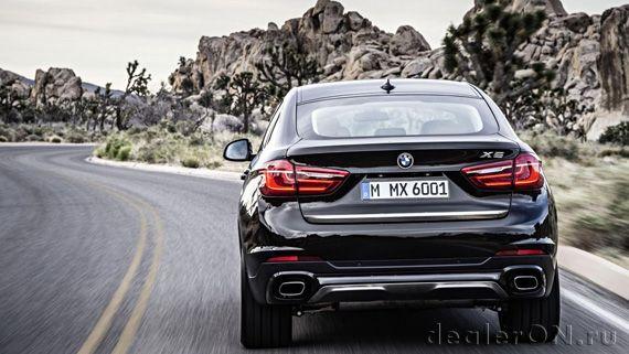 Кроссовер-купе BMW X6 xDrive50i 2015 / БМВ X6 xDrive50i 2015 - вид сзади