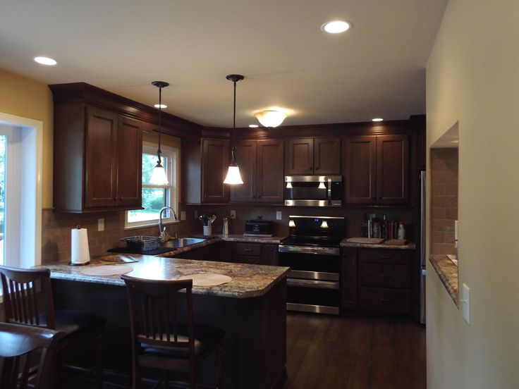 Aspect cabinetry with aspen door style wood is maple with for Aspen kitchen cabinets
