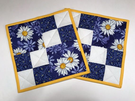 25+ best ideas about Quilted potholders on Pinterest Potholders, Hot pads and Pot holder crafts