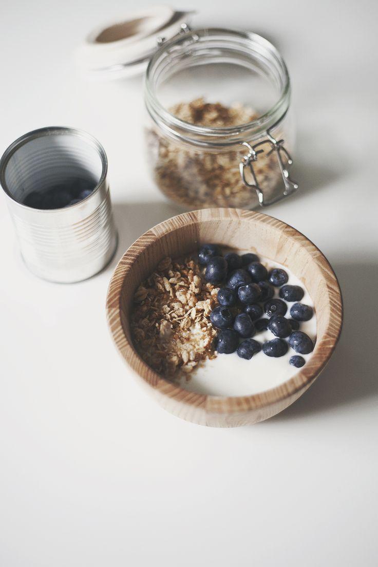 Simplicity. Yoghurt, granola & blueberries