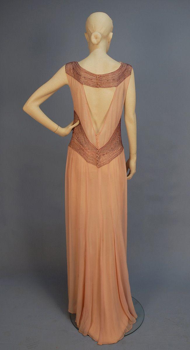 Beaded chiffon evening gown (back), 1930's: Chiffon Floors, Length Capes, 1930S, Evening Gowns, Floors Length, 1930 S, Chiffon Gowns, Beads Chiffon, Open Back