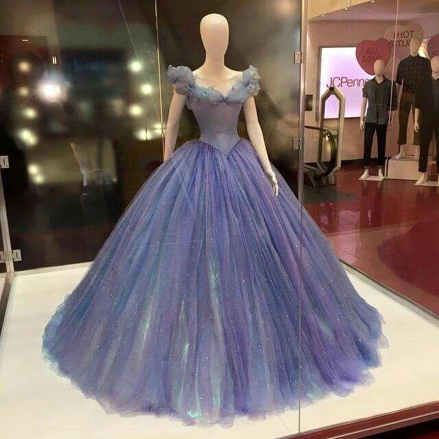 Cinderella  dress, so like I kinda want this dress....really bad...
