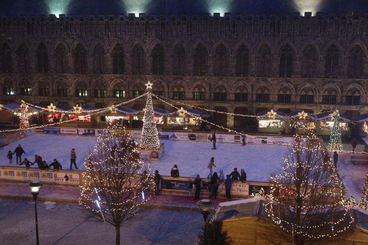 Shopping Belgique | Marché de Noël et Patinoire | Ypres #Shopping #Belgique #Ypres #ShoppingBE