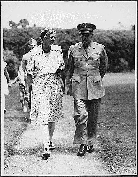 Eleanor Roosevelt and Eisenhower in Hyde Park, New York - 1945