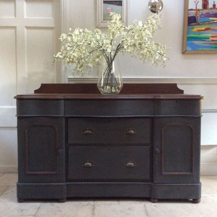 Large Hand Painted Victorian French Style Serpentine Mahogany Sideboard Gorgeous Antique sideboard Lovely shape with serpentine drawers In addition