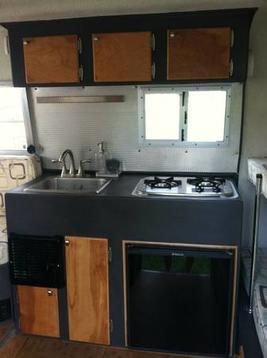 Geometric scamp kitchen.