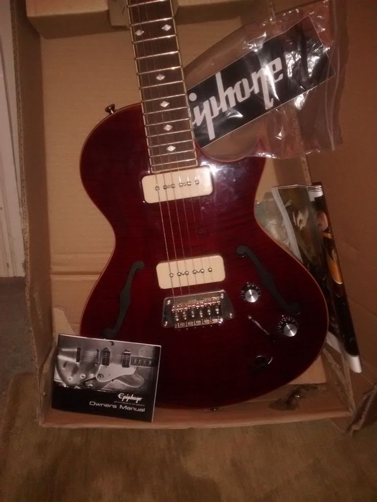 Epiphone Blueshawk Deluxe - semi acoustic guitar Wine Red, barely used with box