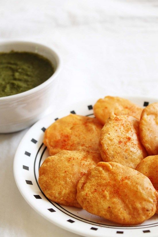 Aloo Pakora Recipe – Aloo bajji Make this with a hot cup of tea on this snowy cold weather.