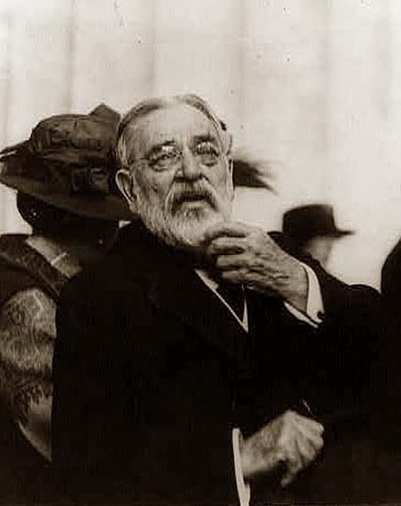 Robert Todd Lincoln, the only child of Abraham Lincoln to live to adulthood. This was taken in 1922 at the dedication of the Lincoln Memorial in Washington DC. Robert was at Abraham Lincoln's bedside at his death. Robert Lincoln was also at the Sixth Street Train Station in Washington, D.C. on July 2, 1881, and witnessed the assassination of President James Garfield. At the time Lincoln was serving as Garfield's Secretary of War.