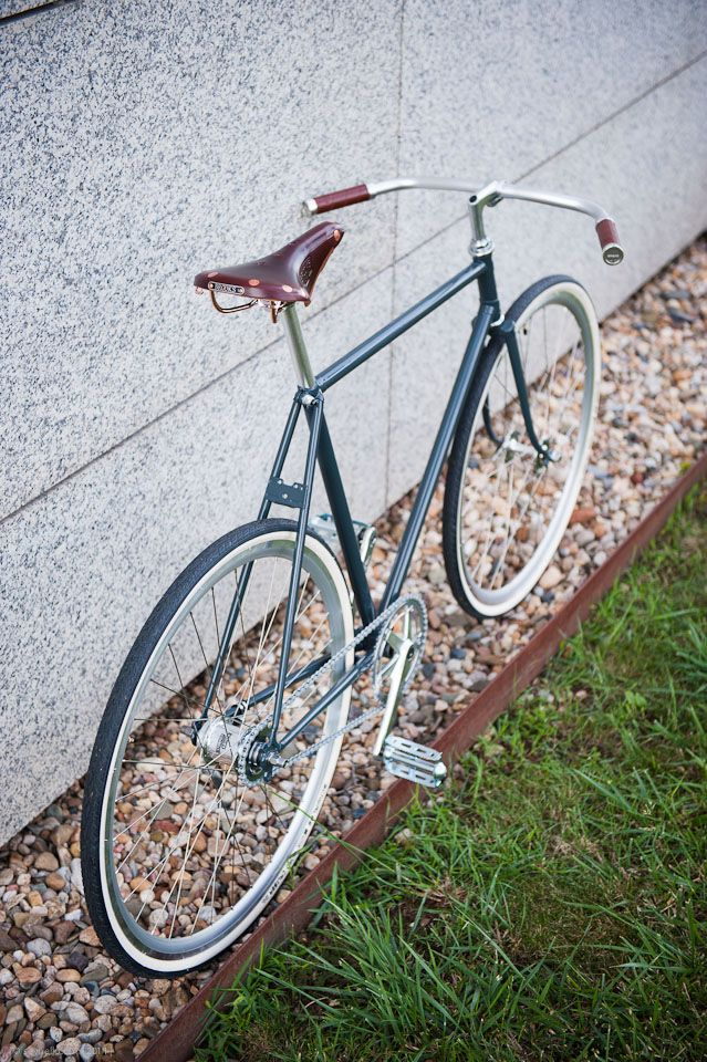 20M Anthracite S - recycled czech Favorit with Brooks, Sturmey Archer and Schwalbe ...
