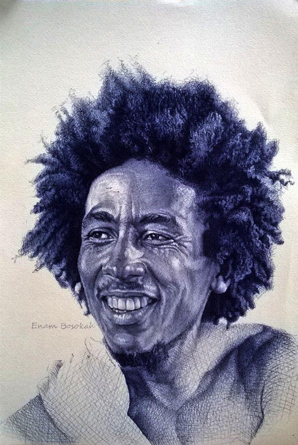 Utilizando uma caneta esferográfica, o artista Enam Bosokah faz desenhos incríveis.