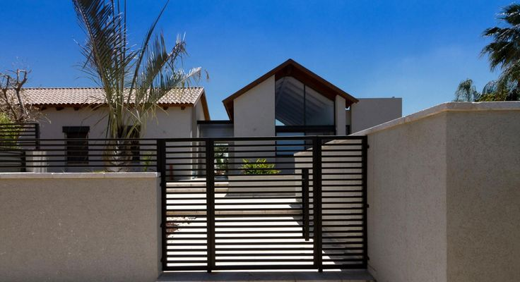 Residence in Pardes Hanna by SaaB architects (2)