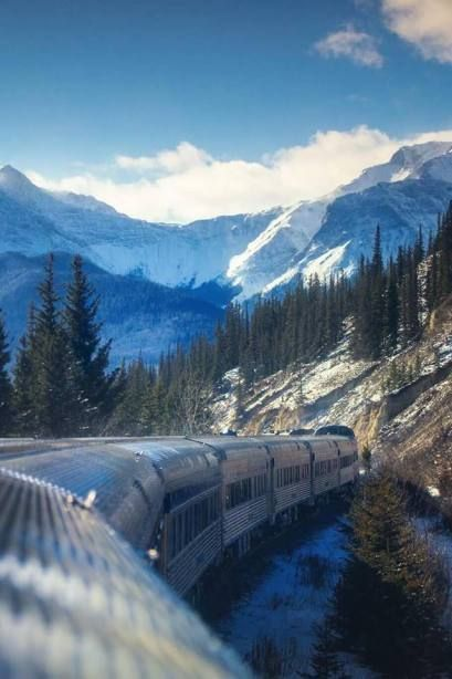 15 Things To Know Before Taking The Train Across Canada | Via Rail Train Trip Across Canada | What To Know About Via Rail Canada | How To See Canada By Train For Canada 150 | What To Do In Canada | Adventures In Canada By Train | Best Train Trips In Canada | How to travel across Canada By Train | Travel Destinations | Traveling | Travel Bloggers | #travel #traveling #travelbloggers | www.fulltimenomad.com #canadatravel
