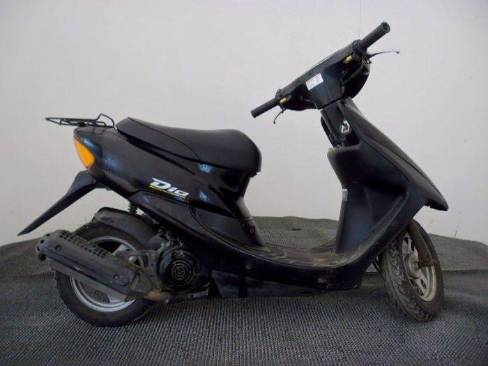Как вам такой мопед? Лично мне понравился. Брал вот тут http://r5.ru/mopedy Там в основном Honda но есть и немного Suzuki. Цены тоже не сильно велики. Так что рекомендую зайти и посмотреть. Может и себе что подберете.