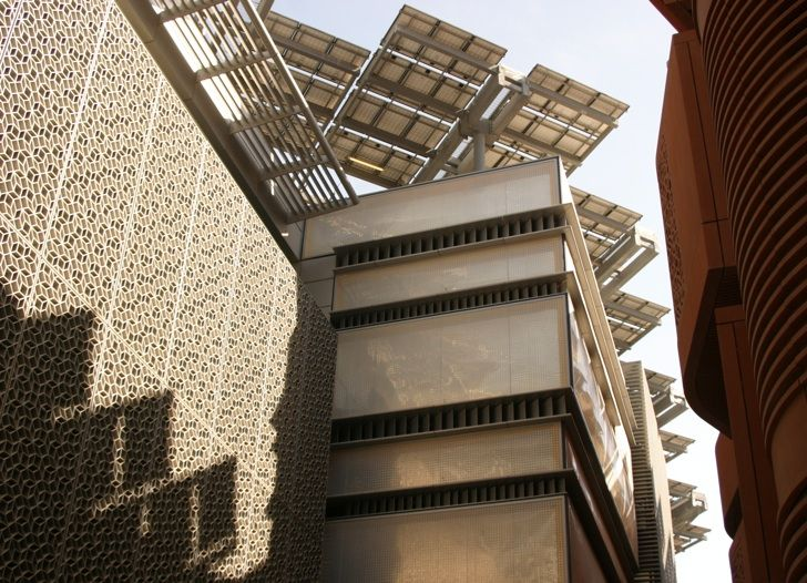 Masdar City, éco Cité Exemplaire En Matière Du0027urbanisme Du Futur Aux  Environs