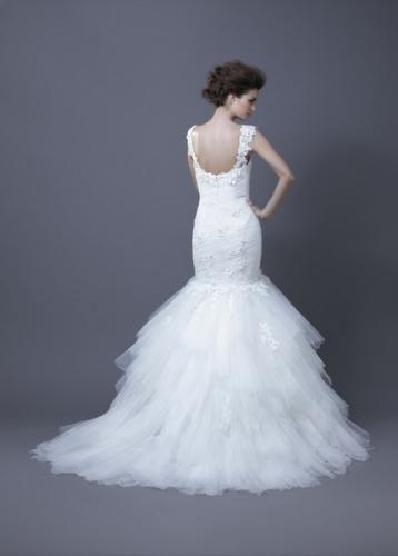 Igen Szalon Enzoani wedding dress- Habika #igenszalon #Enzoani #weddingdress #bridalgown #eskuvoiruha #menyasszonyiruha #eskuvo #menyasszony #Budapest