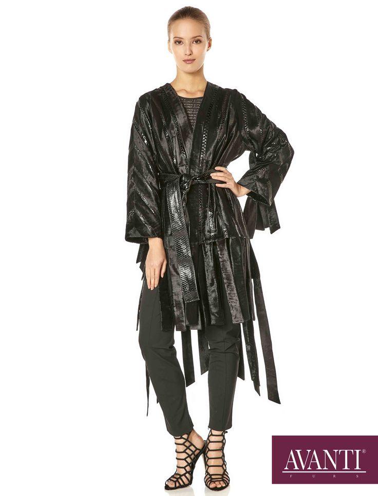 AVANTI FURS - MODEL: ABELINE SWAKARA JACKET with Leather Python details #avantifurs #fur #fashion #swakara #luxury #musthave #мех #шуба #стиль #норка #зима #красота #мода #topfurexperts