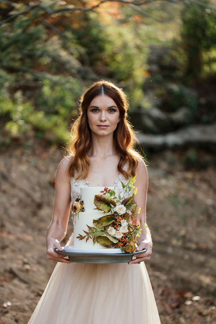 Wedding cake by LionHeart for Autumn styled shoot | Photography by Juliette Bisset Photography, florals supplied by Holloway Floral Design. Model: Simone Maltman @ Boss Models wearing Cindy Bam bridal couture