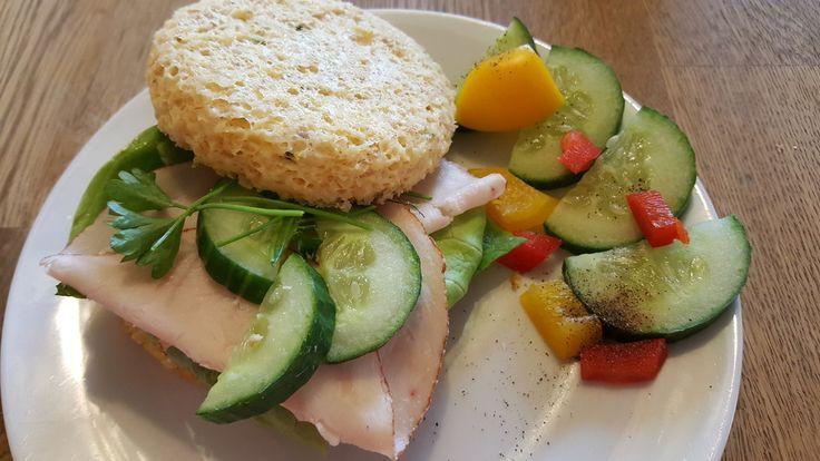 Low Carb Sandwich, ein beliebtes Rezept aus der Kategorie Snacks und kleine Gerichte. Bewertungen: 239. Durchschnitt: Ø 4,6.