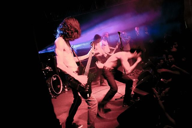 Photo By WikimediaImages   Pixabay   #concerts #band #music #popmusic #music #musicfestivals #events #rockmusic #nightlife #nightlife #rockbands #poprock #etapa #concerts
