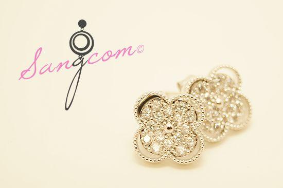 vancl★★★ st 실버 이어링 반짝이는 큐빅이 촘촘히 박힌 고급스러운 디자인의 이어링이예요. 실버침 소재로 되어있어요. #상콤#sangcom#귀걸이#이어링#earring#명품스타일