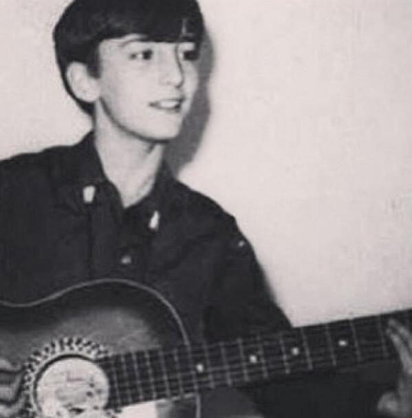 THIS IS JOHN LENNON OMG OMG OMG OMG OMG CUTE LITTLE TEEANGER JOHN