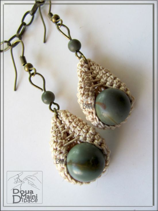 "Gris & beige pendientes, Crochet, Jasper pendientes, pendientes de fibra, textil, ""Tear perfecto"" de granos semi preciosos gris jaspe"
