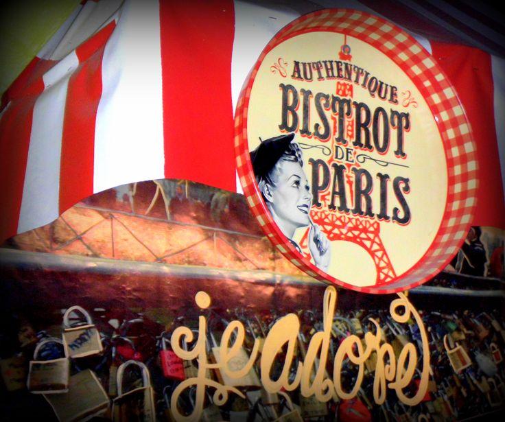 Petit Bistro & Café S.L.P.