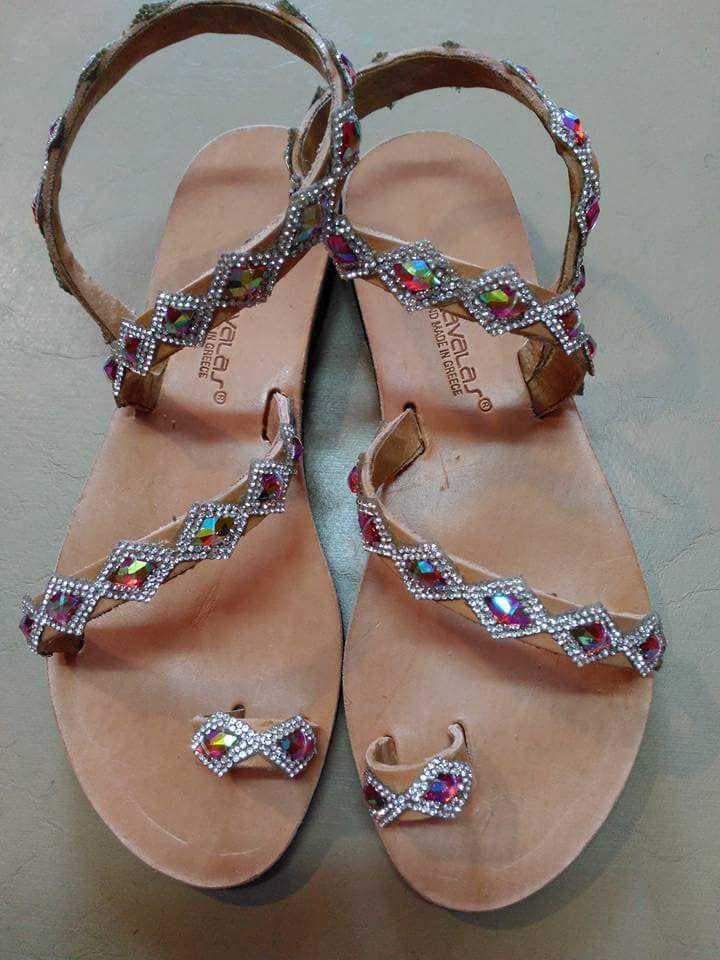 Στην σελίδα μας θα βρείτε χειροποίητα δερμάτινα παπούτσια ελληνικής προέλευσης.Για τιμές,παραγγελίες και άλλες πληροφορίες στείλτε μήνυμα  στο e-mail:cosishoes2004@gmail.com