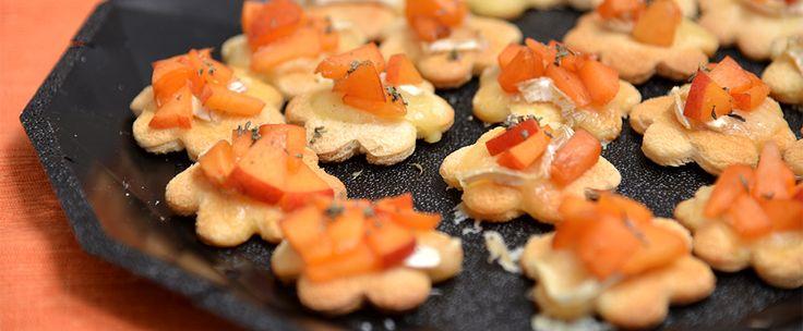 fiorellini di brie e albicocche - small flower with brie cheese and apricot http://arrangerchef.com/?page_id=243