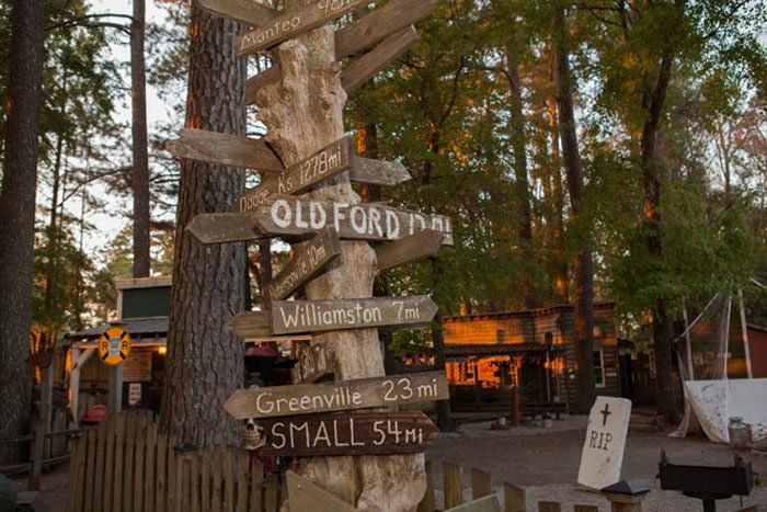 Smokehouse Grill In North Carolina Has Its Own Theme Park And It's Positively Marvelous