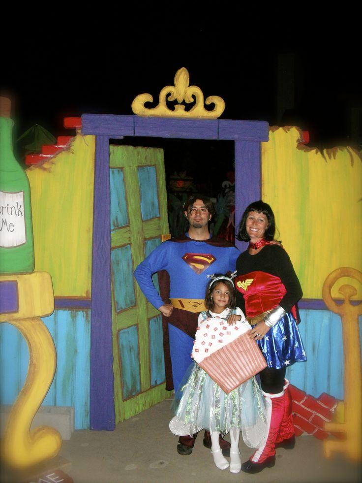 Alice in Wonderland door 50 best Props