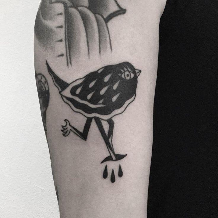W E I R D O . Birdy done on my friend Anna, thanks tons!! / ptaszynka na Ani, dziekuje!!#birdtattoo #tattoo #tatuaż  #warsawtattoo #weirdo  #oldschooltattoo #cool #lublin #traditionaltattoo #хоумтату #tattoed #blacktattooart #stoner #poland #warszawa #ignorantstyletattoo #tattooworkers #polandtattoo #illustration #tattooapprentice #blacktattoo #blackworkers #apprenticetattoo #bird #onlyblackart #bttattooing