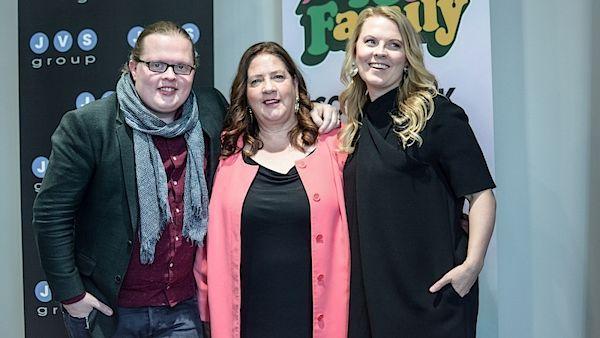 The Kelly Family po rozhovoru pro Právo, zleva Angelo, Kathy a Patricia.