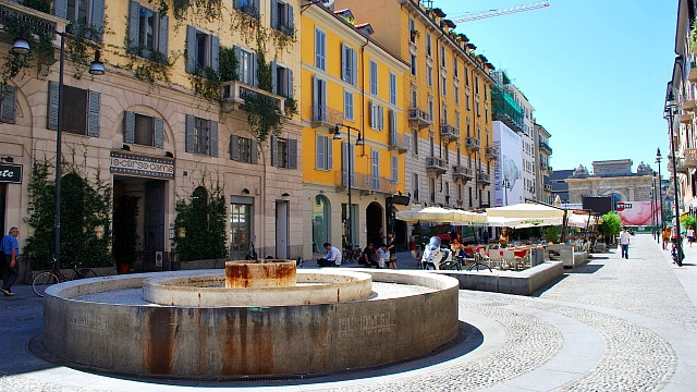 Google Image Result for http://www.milanexpat.com/wp-content/uploads/2011/04/corsocomo.jpg