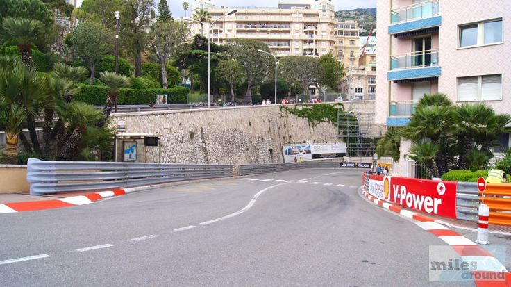 Haarnadelkurve am Fairmont Hotel - Check more at https://www.miles-around.de/europa/monaco/abbau-der-formel-1-strecke-in-monaco/,  #Côted'Azur #Formel1 #Frankreich #Monaco #Reisebericht #Yacht