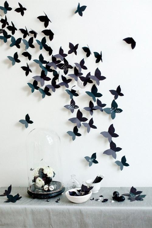 Mural de mariposas como original libro de firmas {Vía, Style me Pretty}